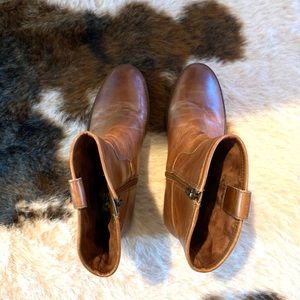Vince Camuto Shoes - Vince Camuto Payatt Mid Bootie Brown Size 8.5